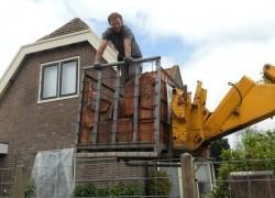 aanvoer van dakpannen